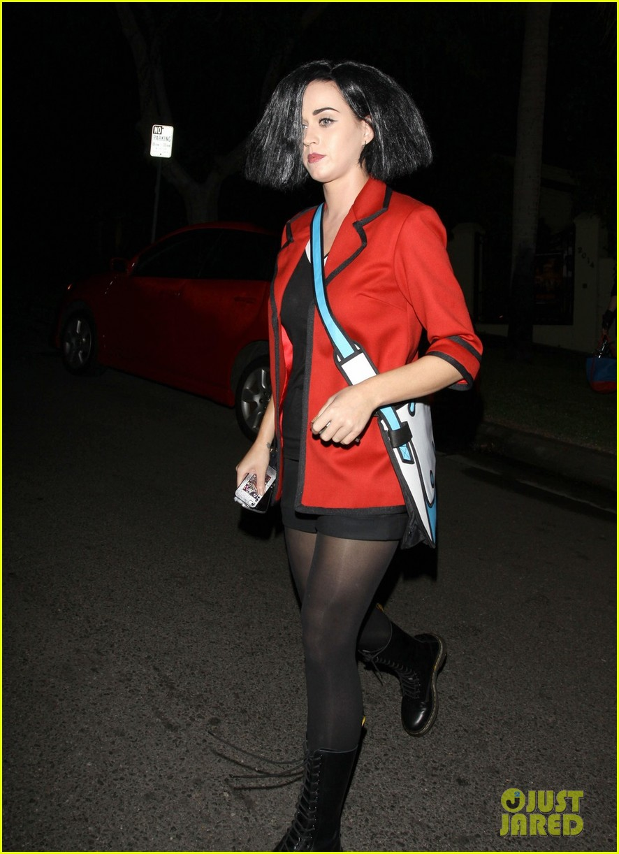 katy perry emma roberts hollywood forever cemetary halloween party 01