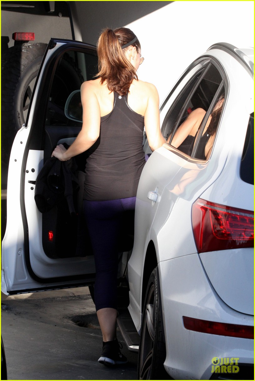 minka kelly post thanksgiving workout 05