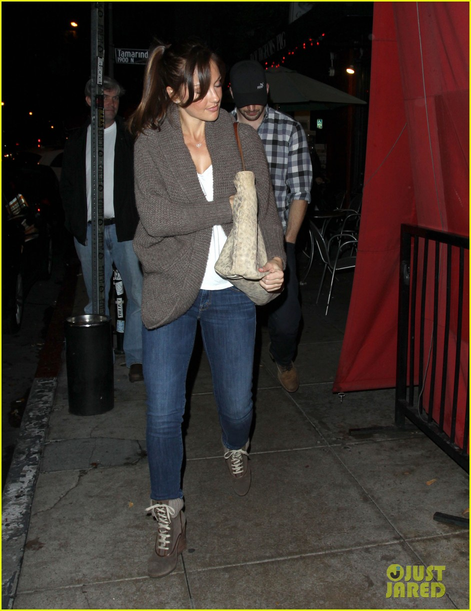 minka kelly chris evans sushi stop dinner date 042754174