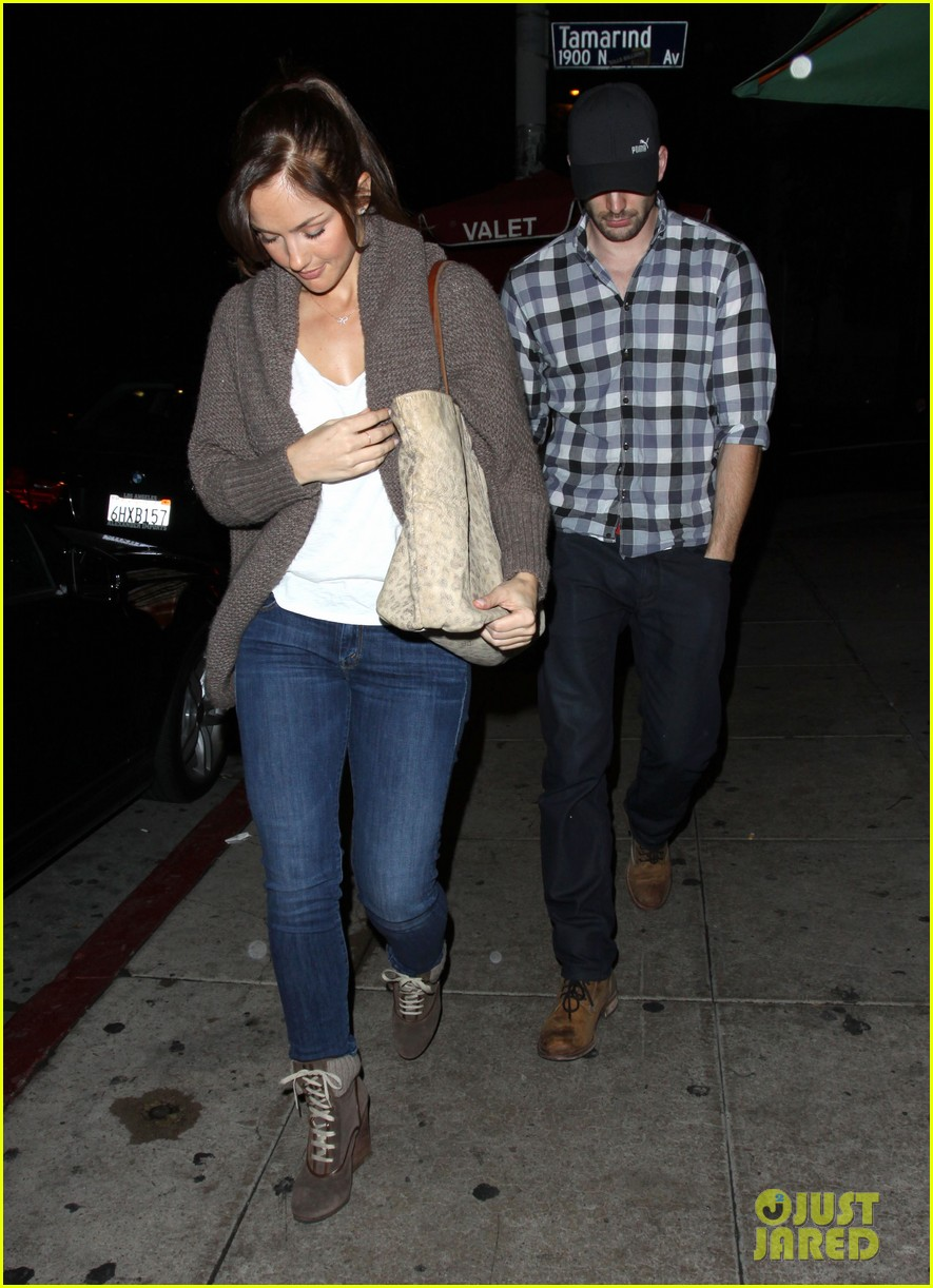 minka kelly chris evans sushi stop dinner date 05
