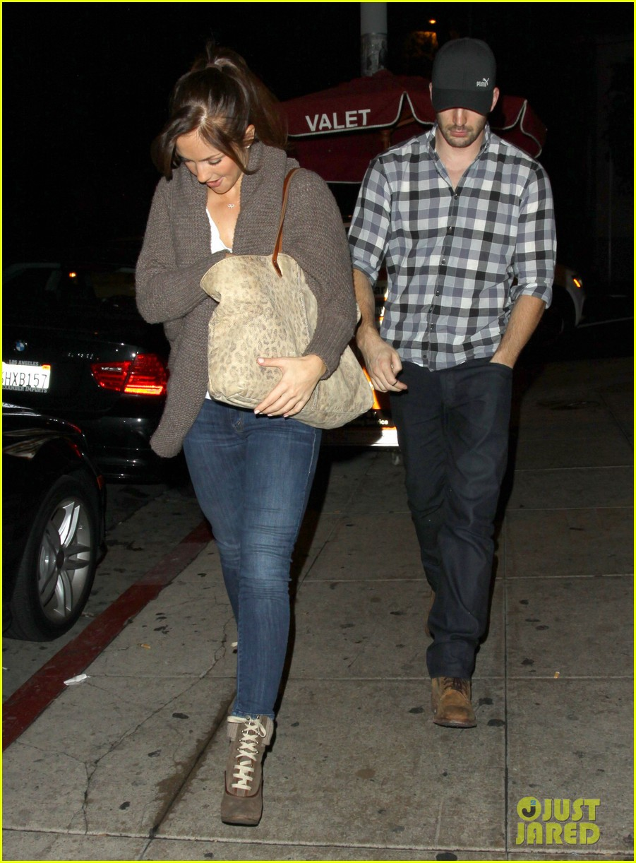 minka kelly chris evans sushi stop dinner date 06