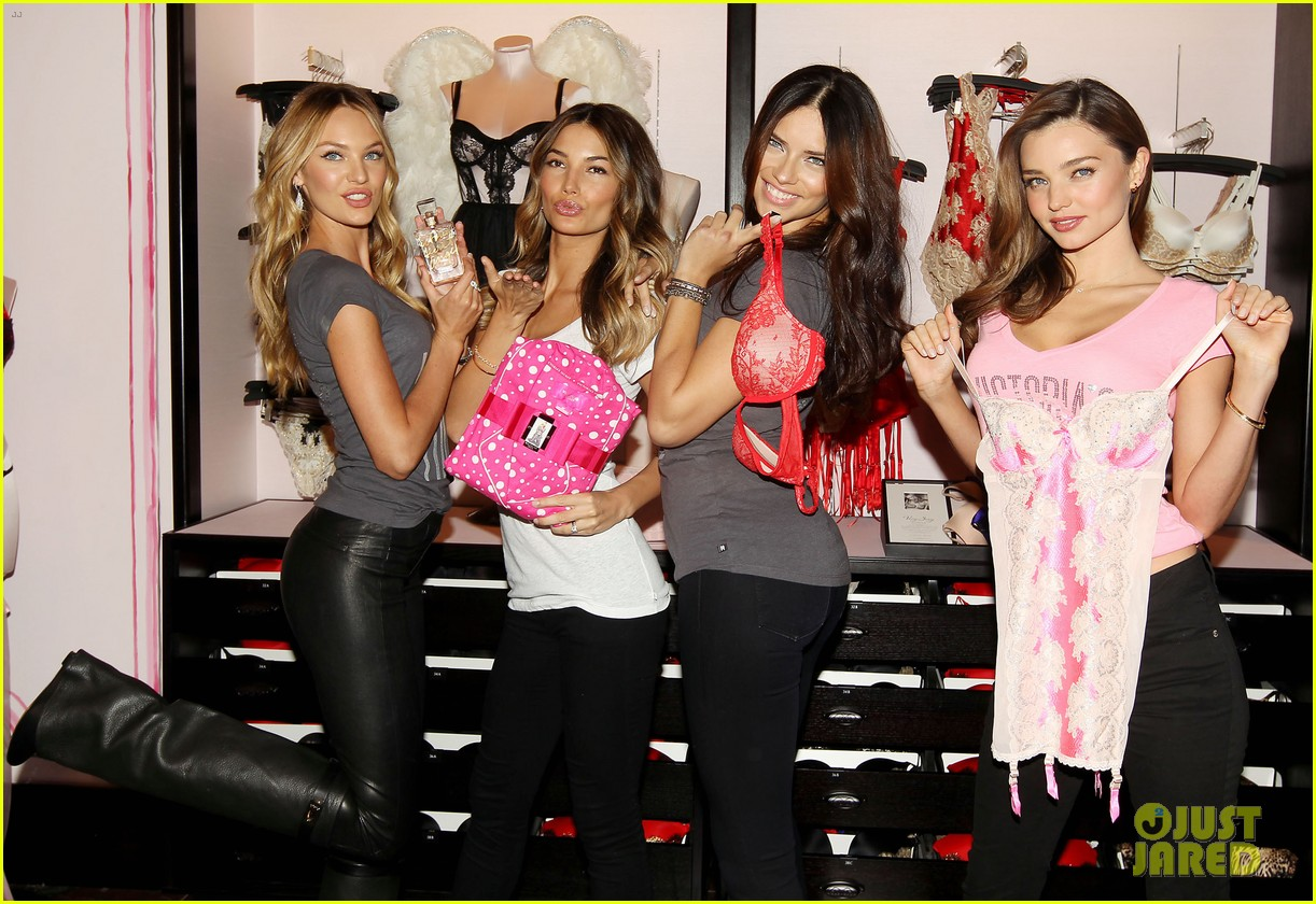 miranda kerr adriana lima victorias secret holiday hotties 382760813
