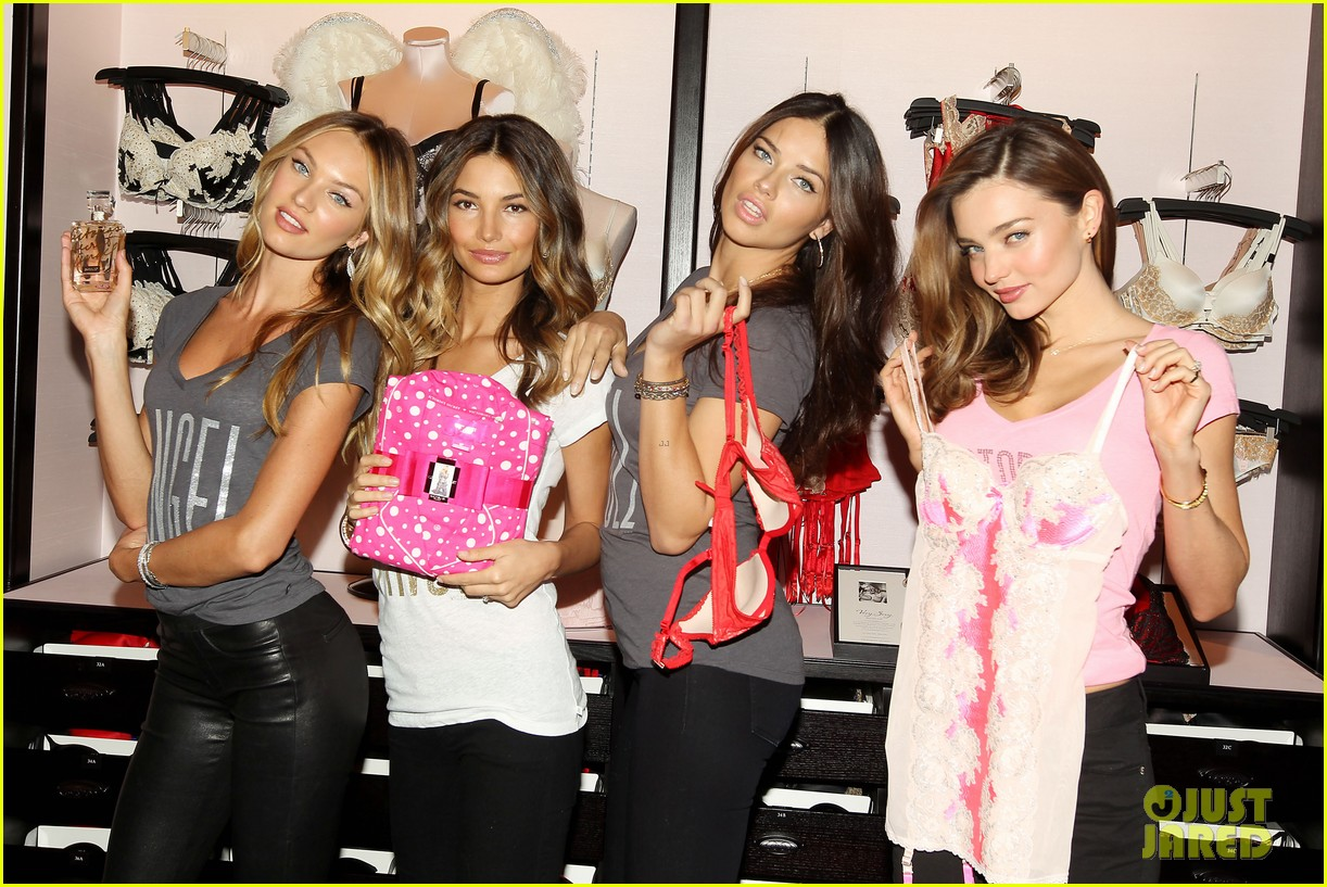 miranda kerr adriana lima victorias secret holiday hotties 39