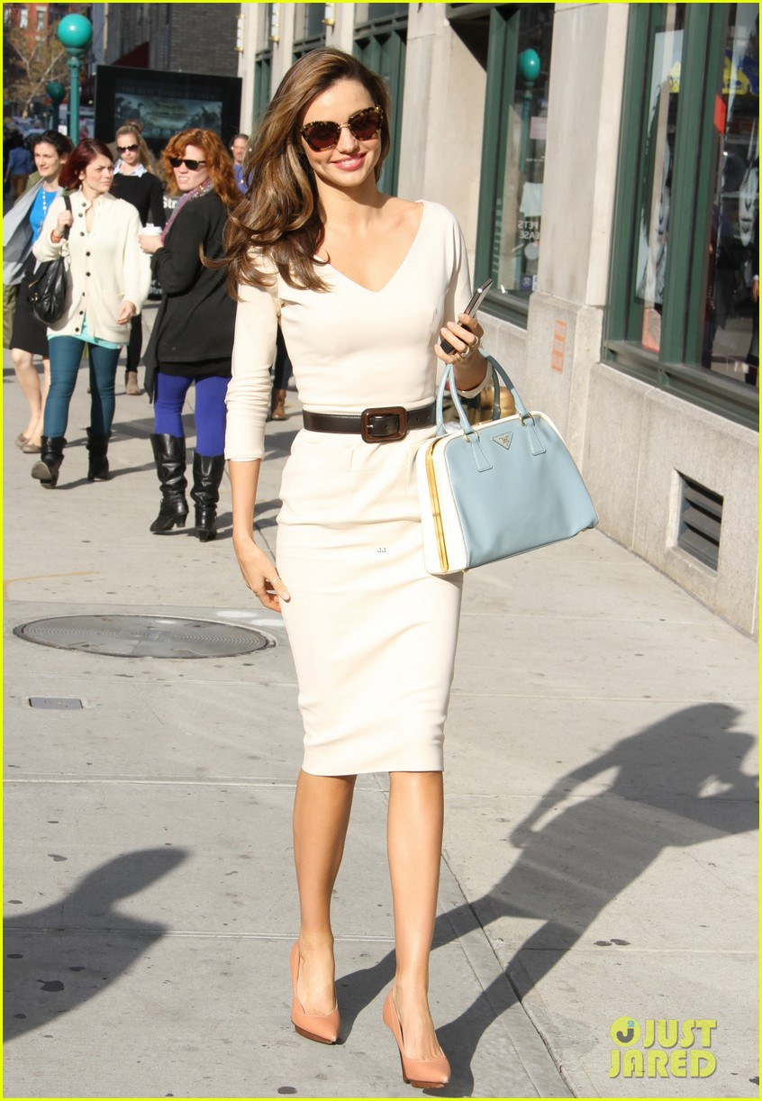 miranda kerr vogue office visit 18