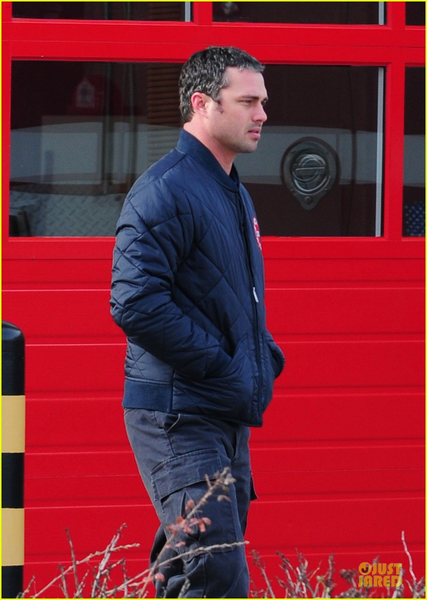 taylor kinney jesse spencer chicago fire set 02