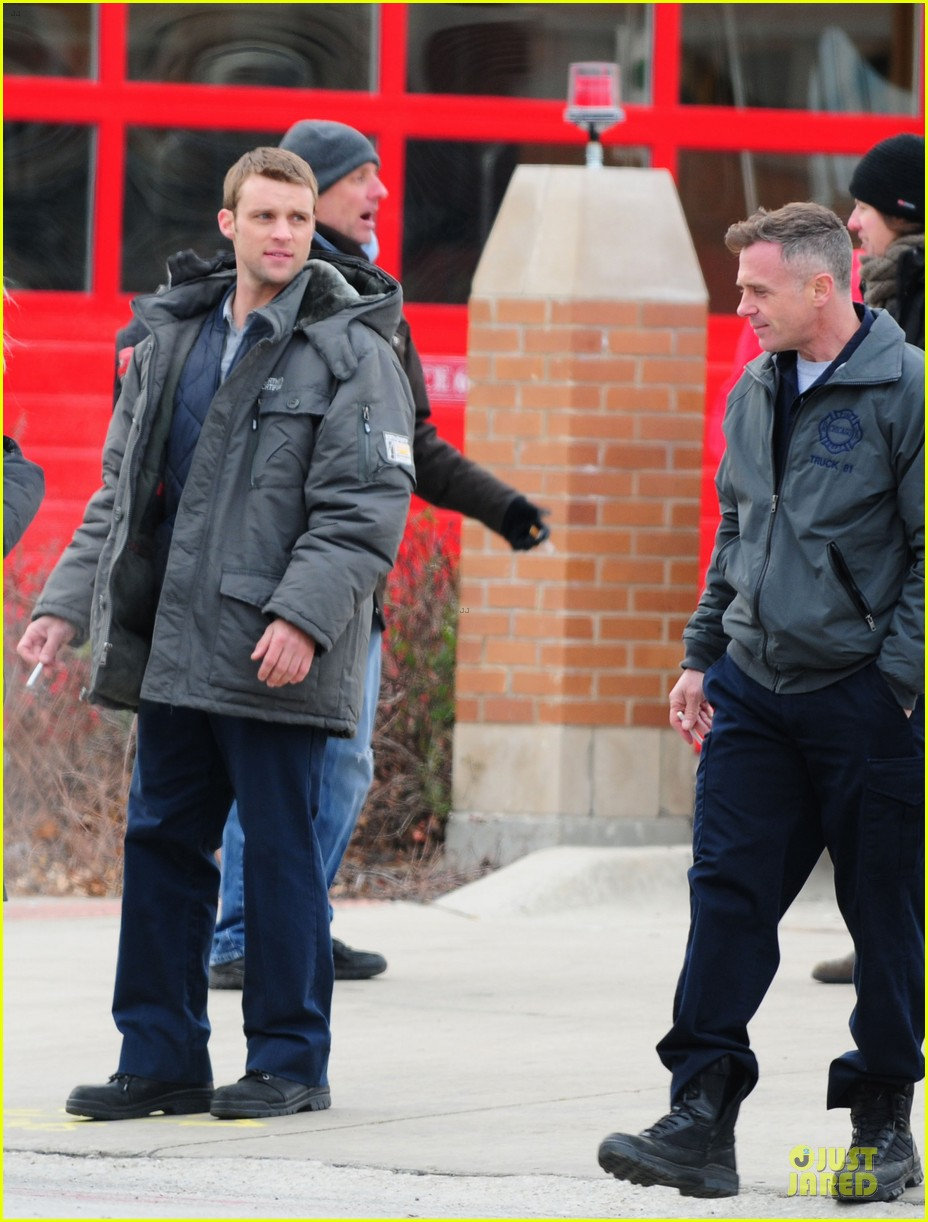 taylor kinney jesse spencer chicago fire set 26