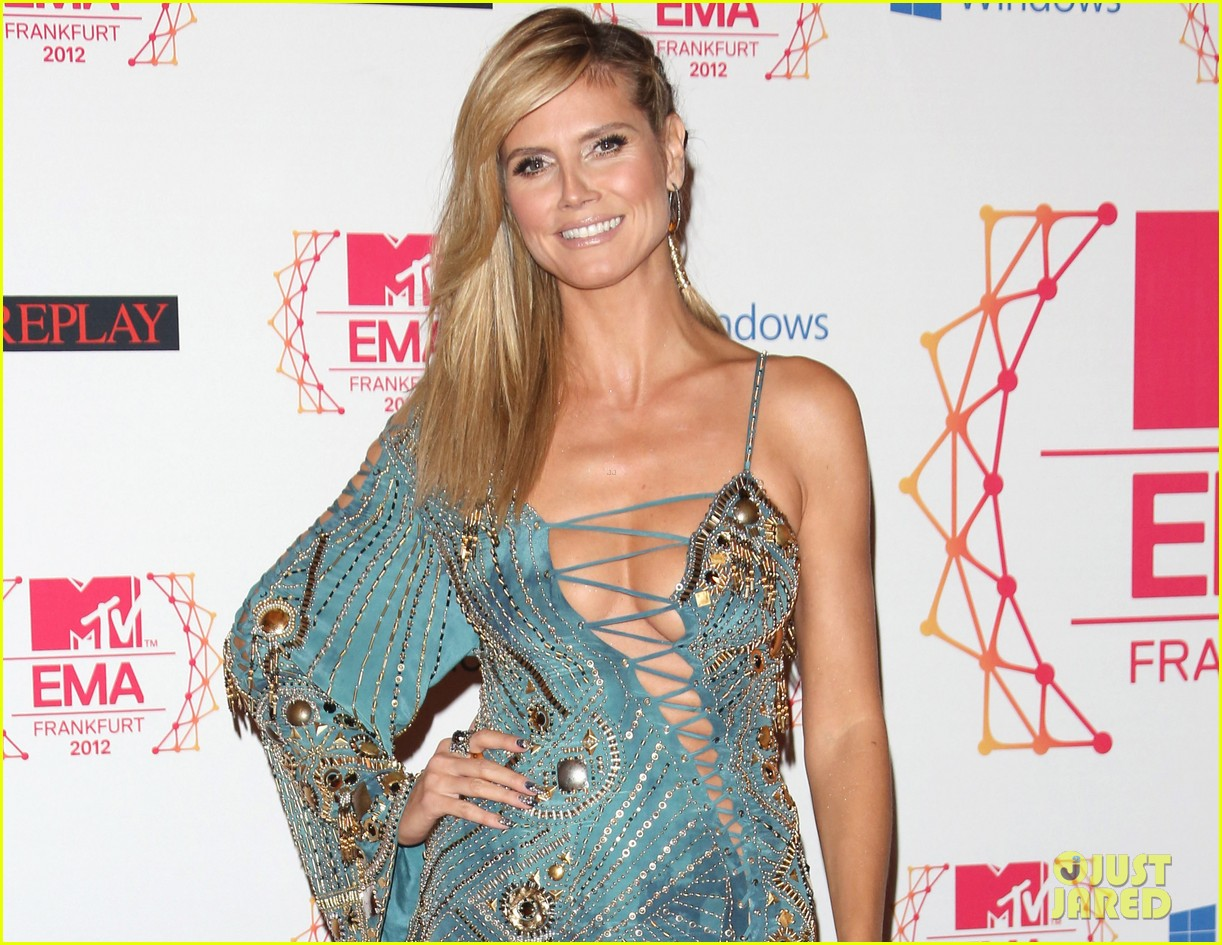 heidi klum mtv emas 2012 red carpet 032755344