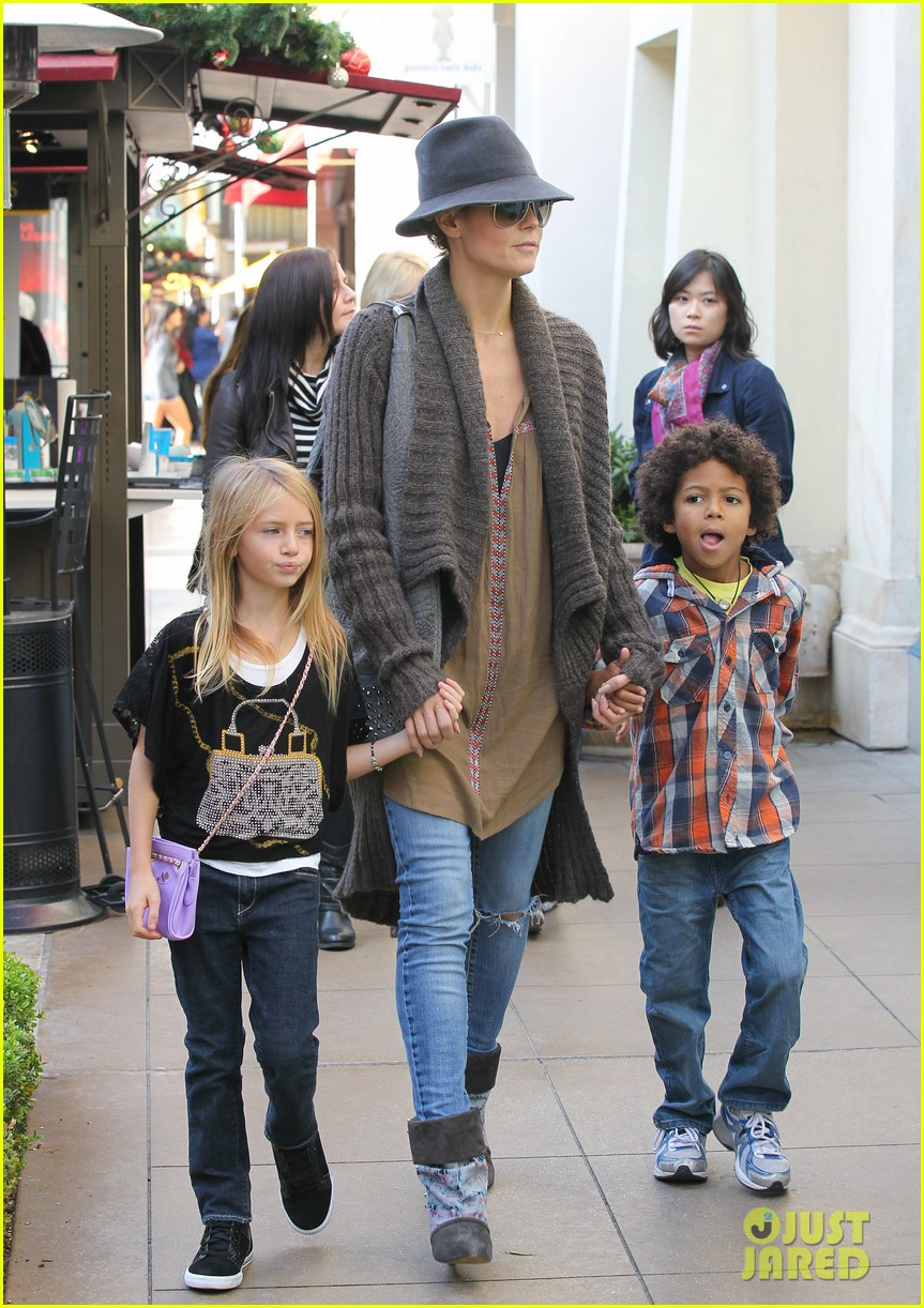 heidi klum holiday shopping at the grove 072762869