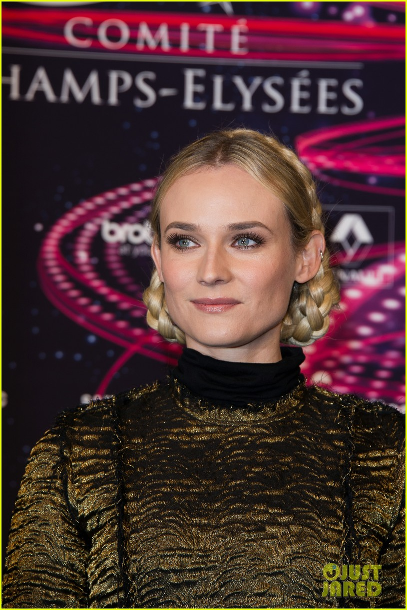 diane kruger champs elysees christmas lights launch 08