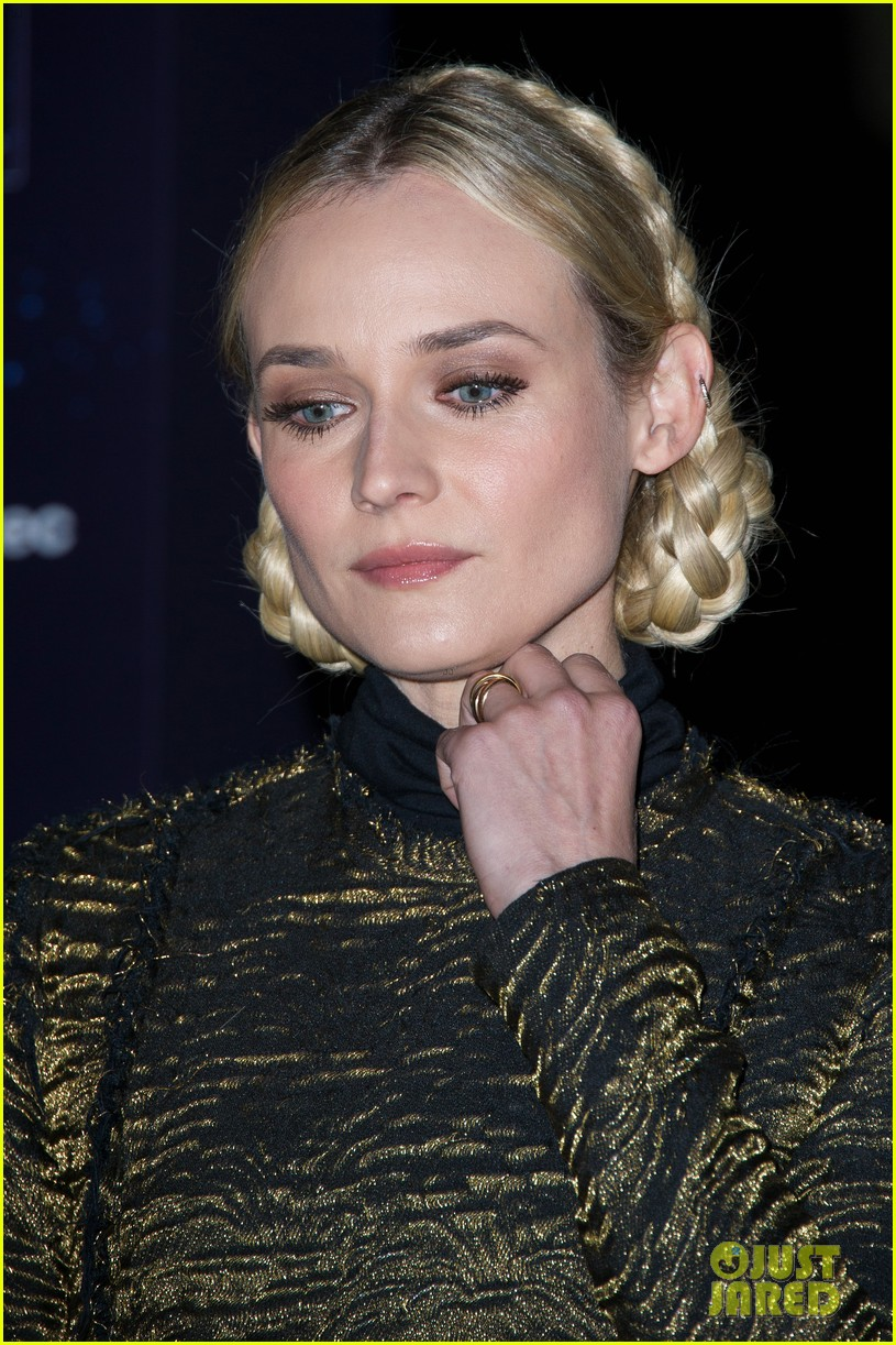 diane kruger champs elysees christmas lights launch 102762148