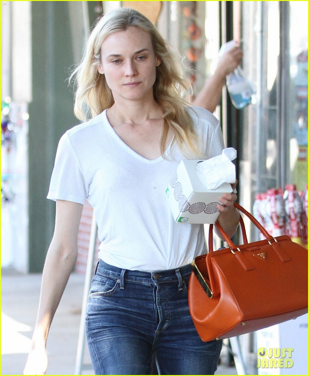 diane kruger walks with her tissue box 052751529