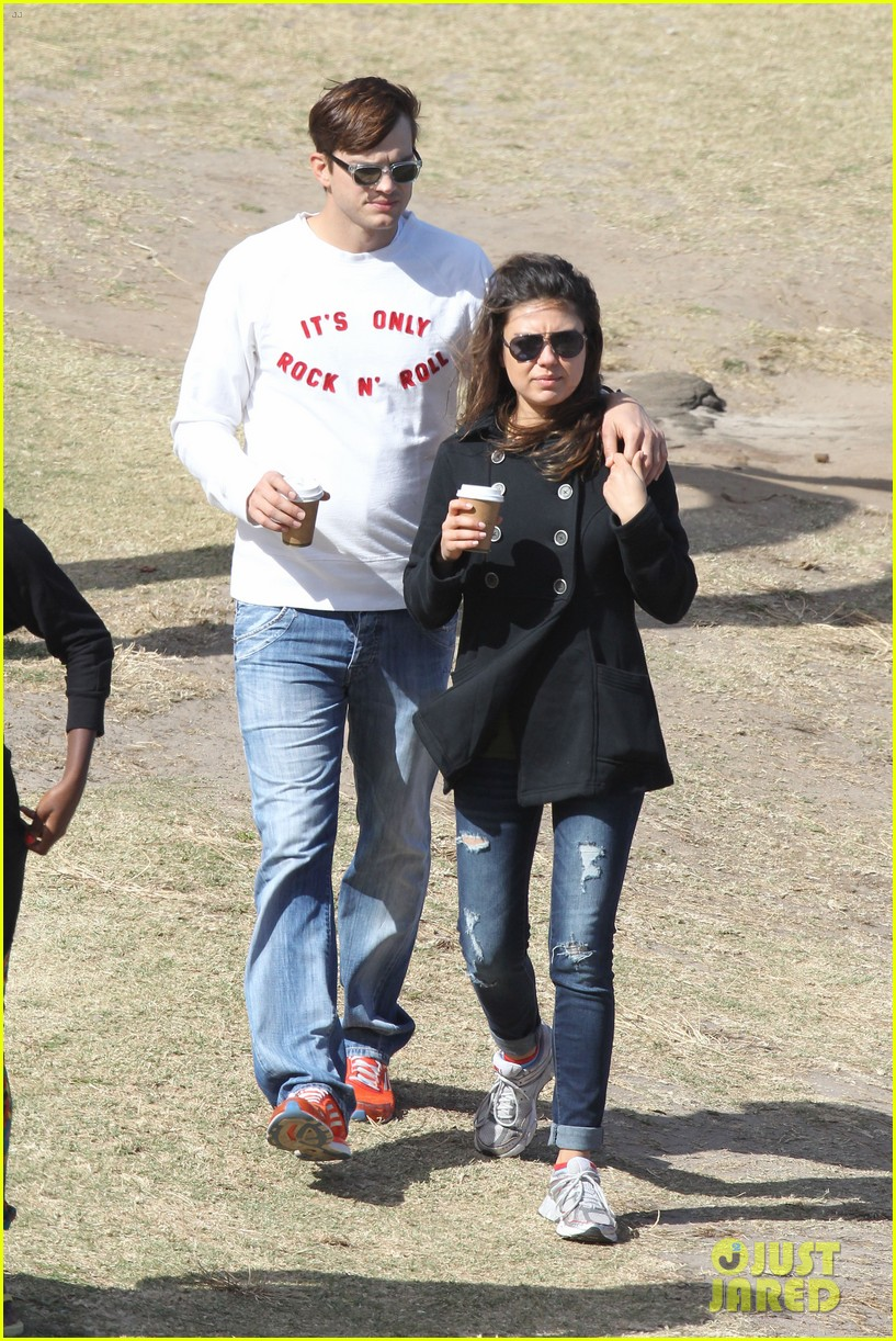 mila kunis ashton kutcher bondi to bronte beach walk 01