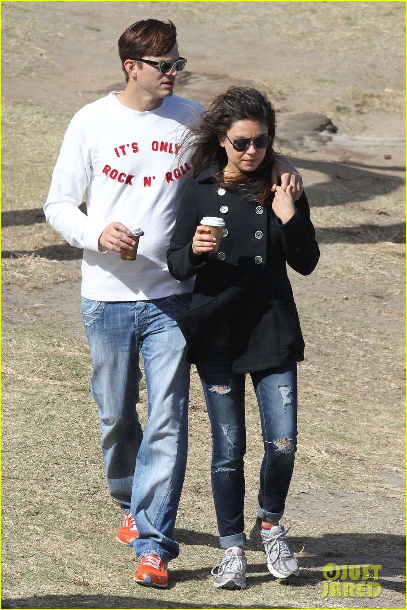 mila kunis ashton kutcher bondi to bronte beach walk 092749763