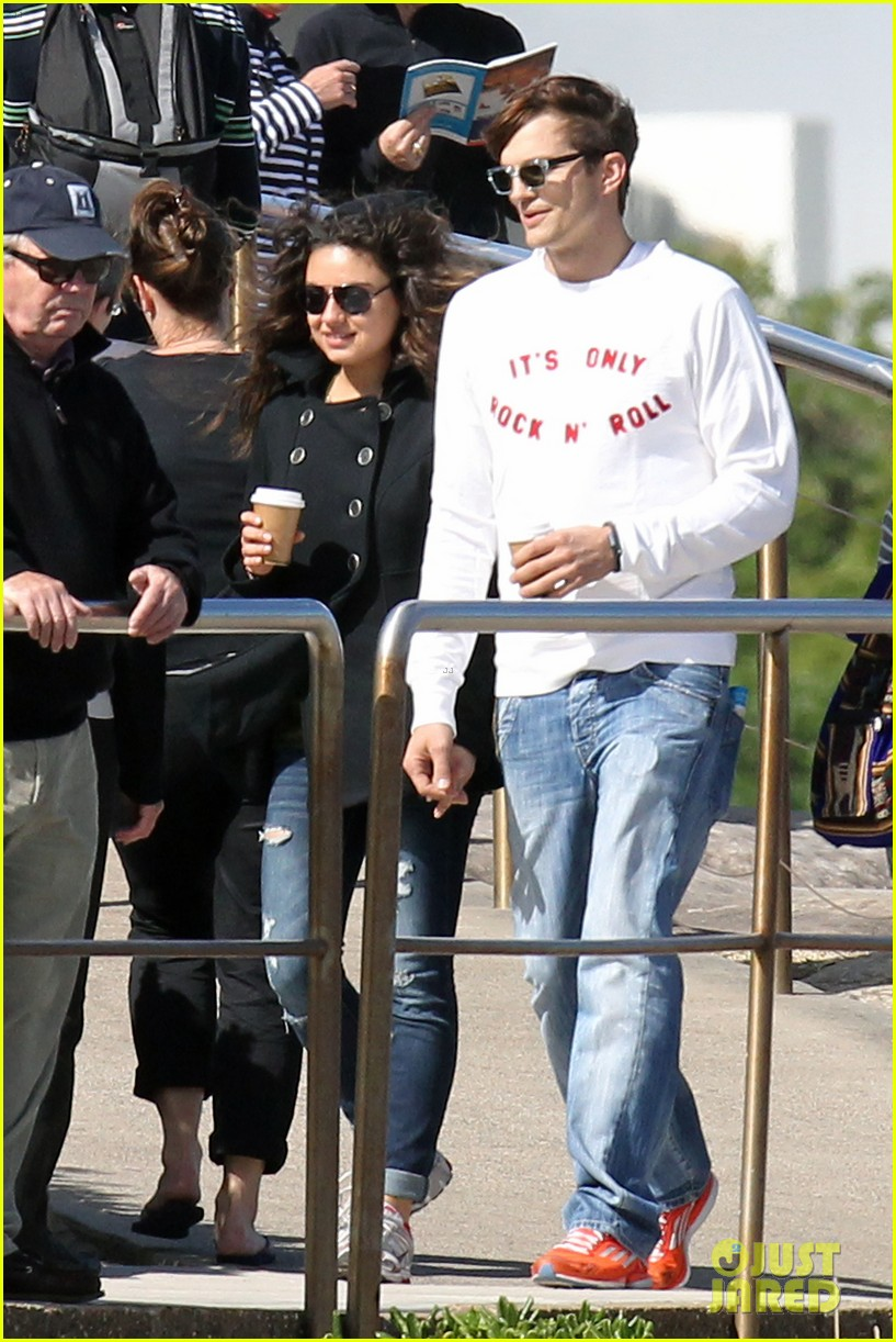 mila kunis ashton kutcher bondi to bronte beach walk 112749765