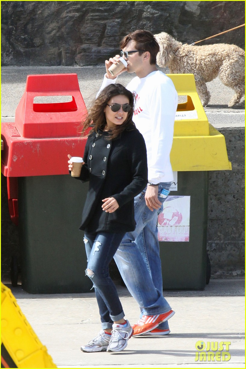 mila kunis ashton kutcher bondi to bronte beach walk 162749770