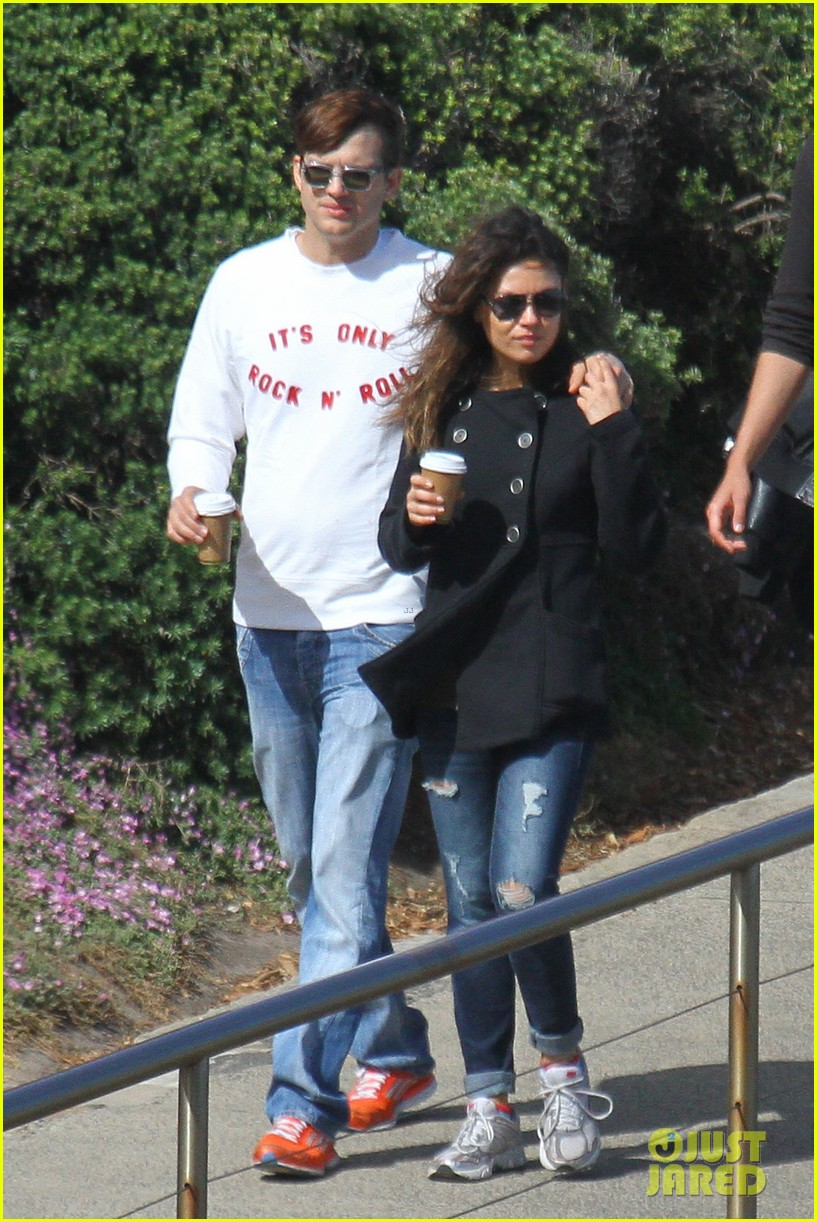 mila kunis ashton kutcher bondi to bronte beach walk 22