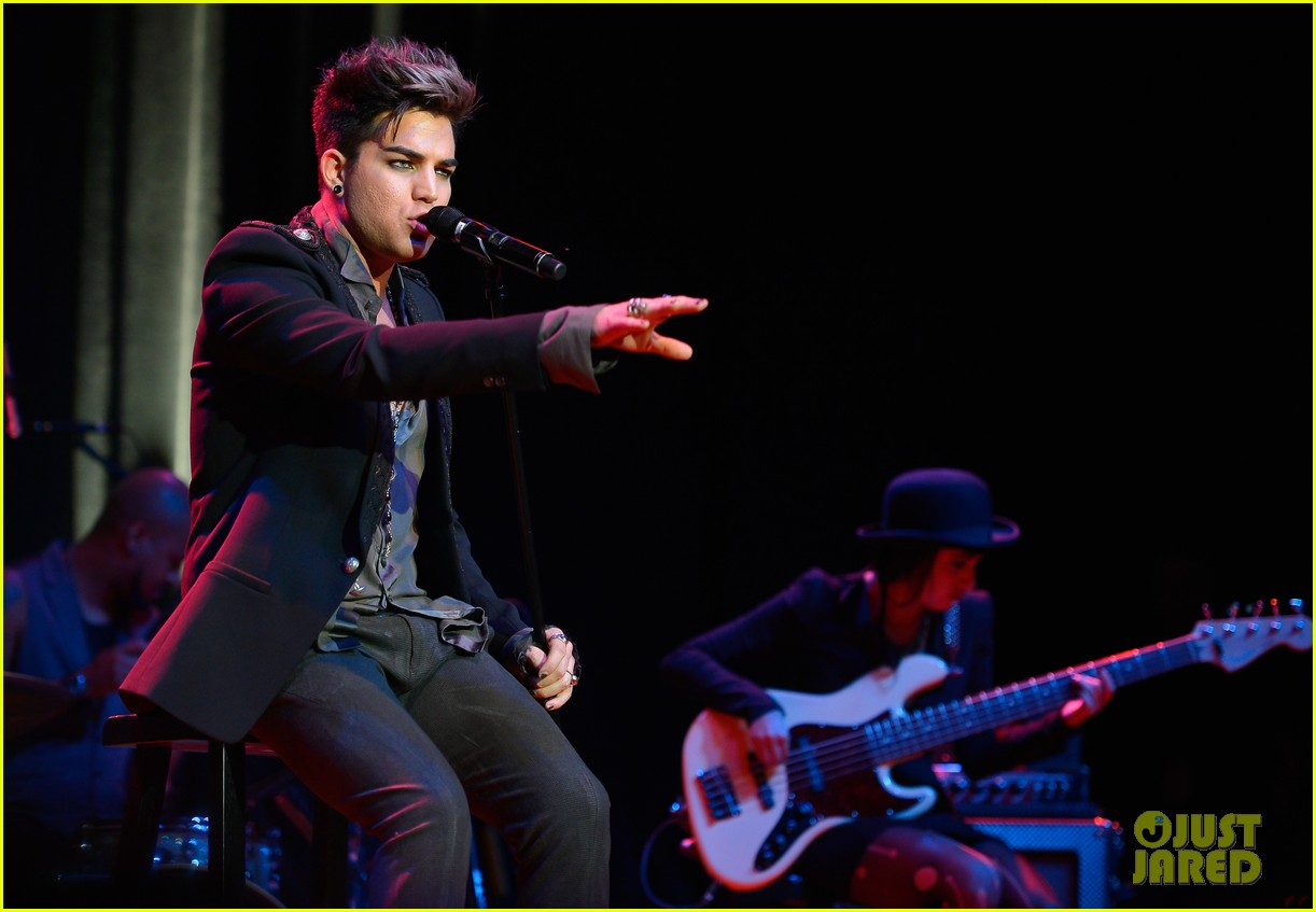 adam lambert live in the vineyard performance 01