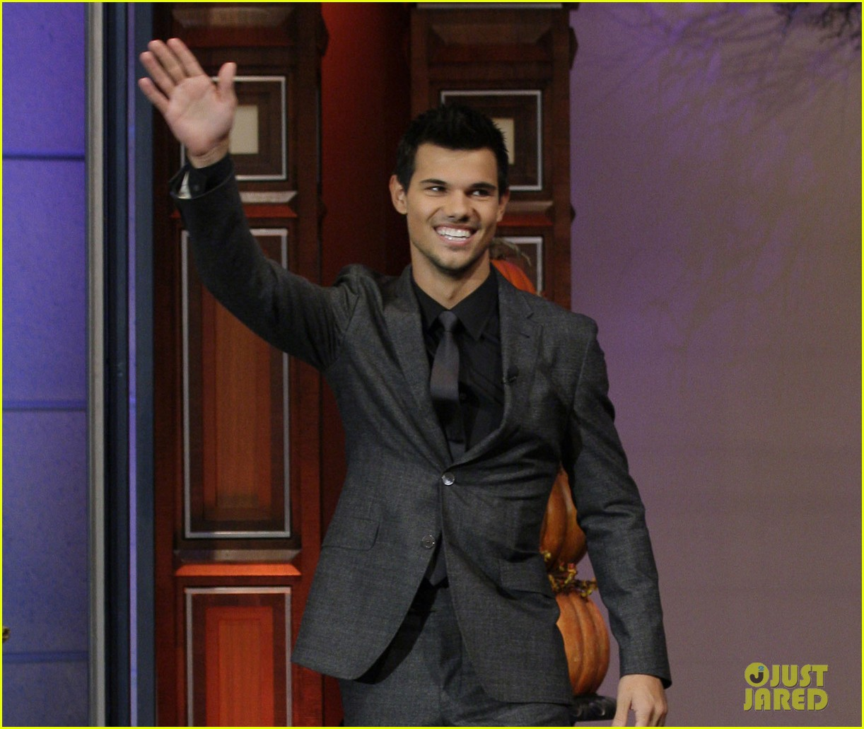 taylor lautner tonight show appearance 032749418