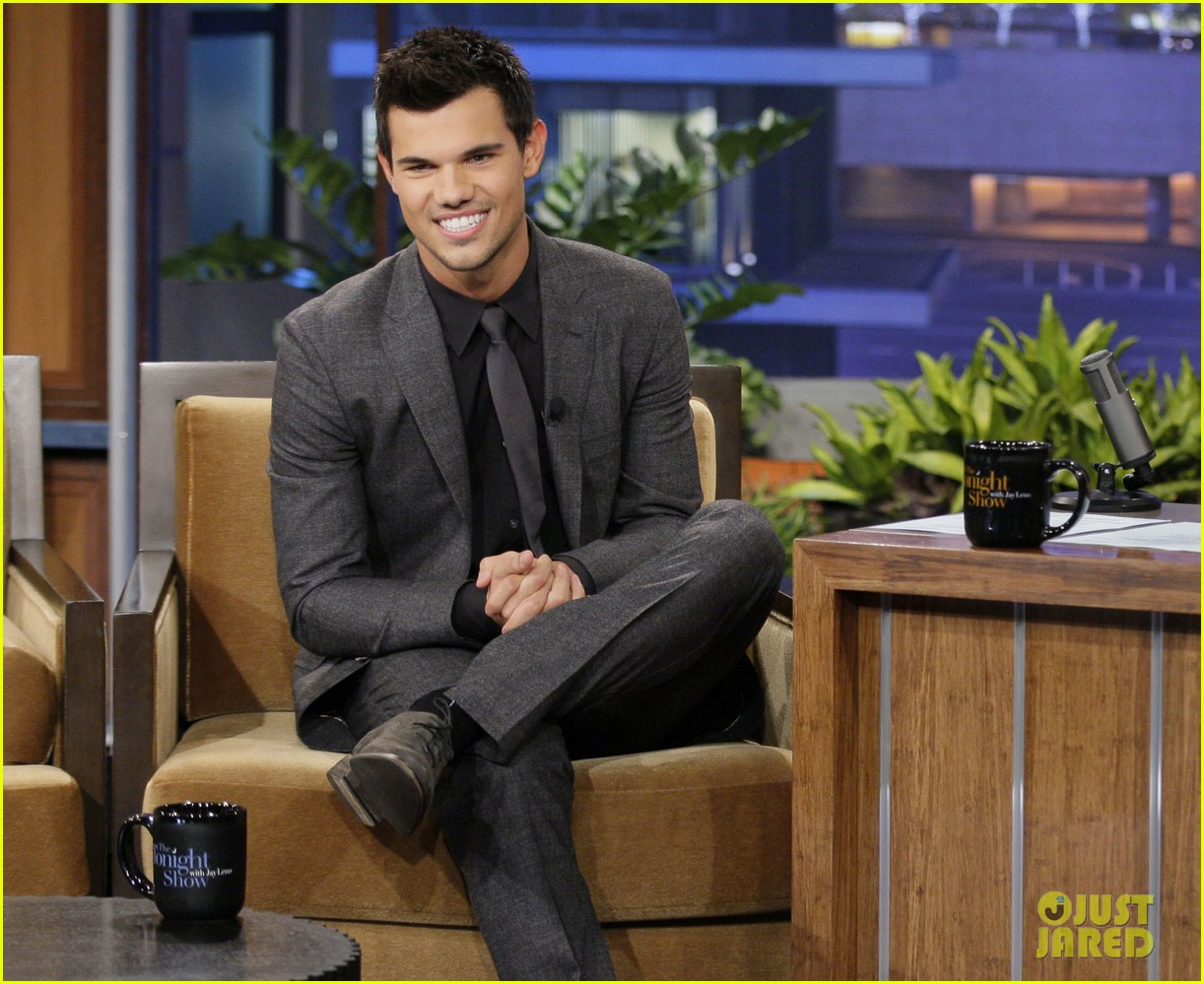 taylor lautner tonight show appearance 04