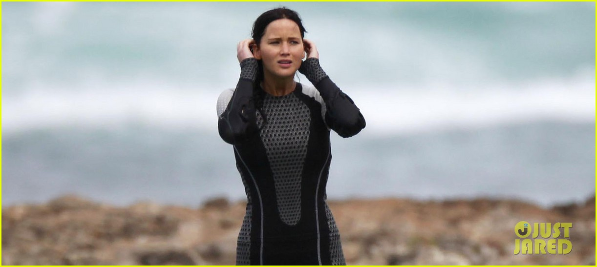 jennifer lawrence hunger games in hawaii 03