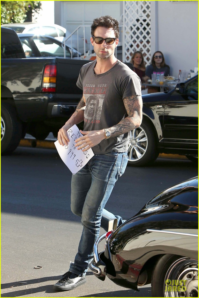 adam levine behati prinsloo text red cross to 90999 09