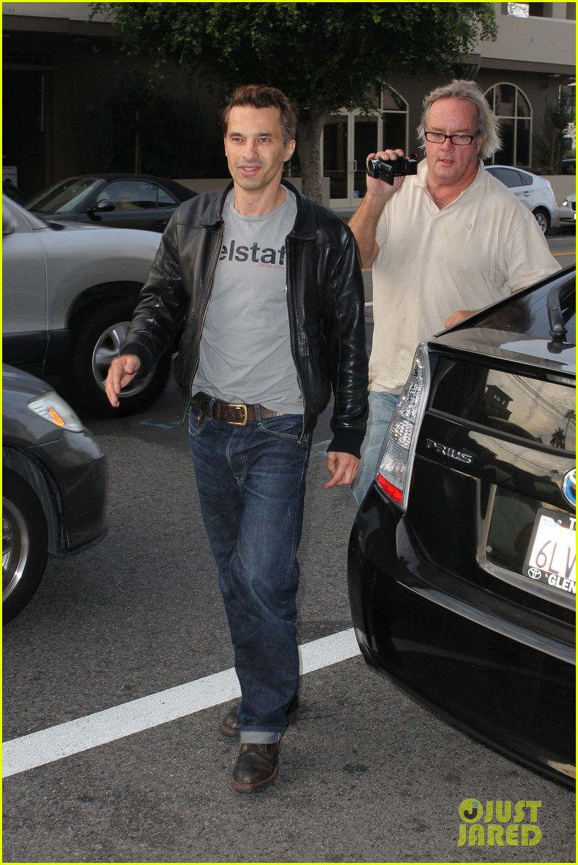 olivier martinez tuesday morning doctors visit 01