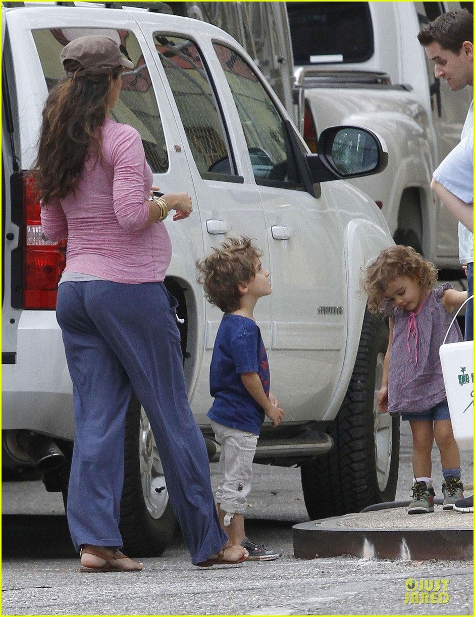 matthew mcconaughey camila alves dallas buyers club set visit 19