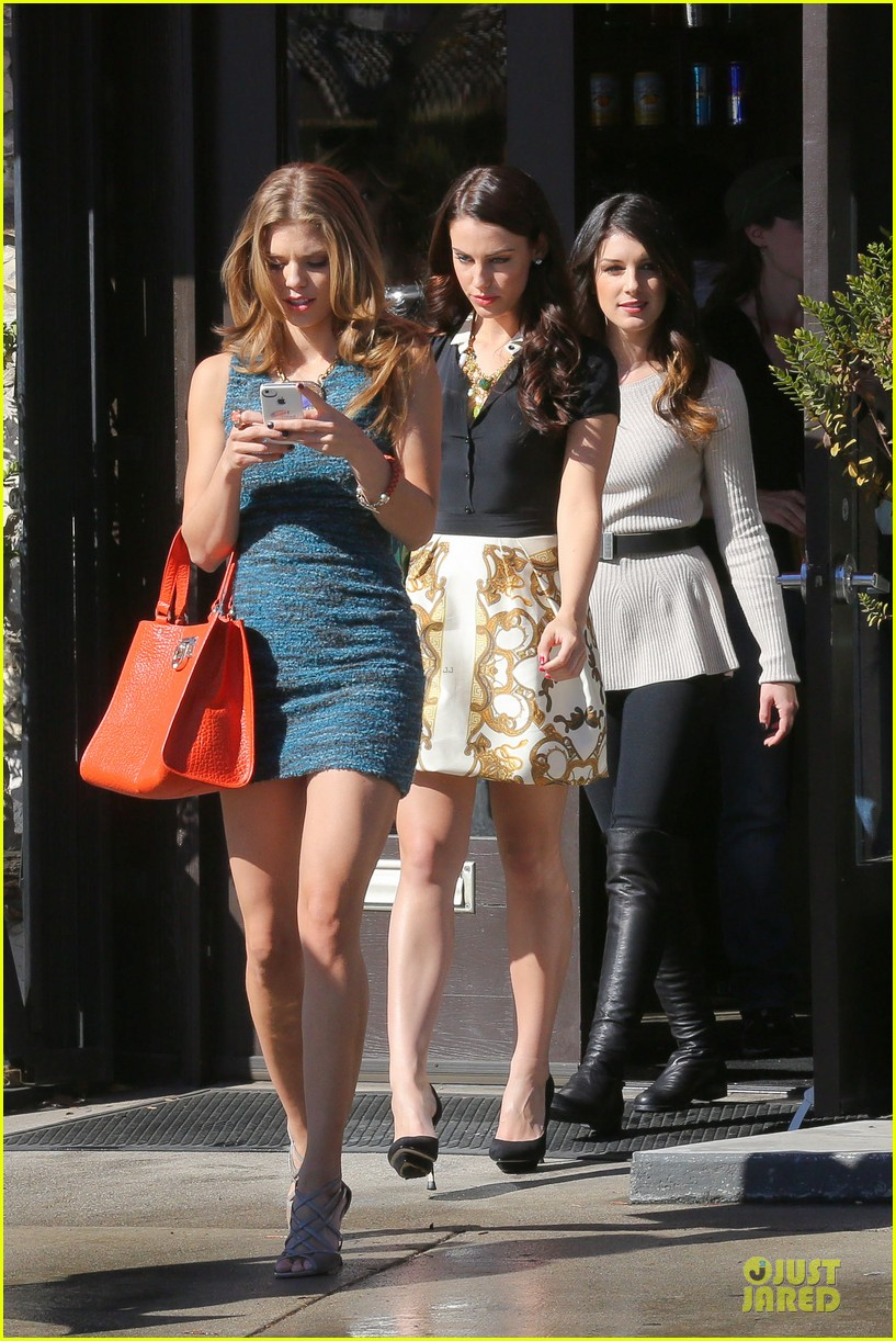 annalynne mccord 90210 set with shenae grimes & jessica stroup 06