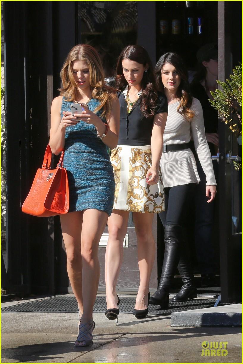 annalynne mccord 90210 set with shenae grimes & jessica stroup 062756806