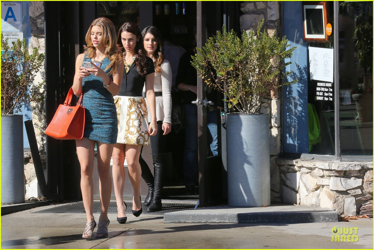 annalynne mccord 90210 set with shenae grimes & jessica stroup 20