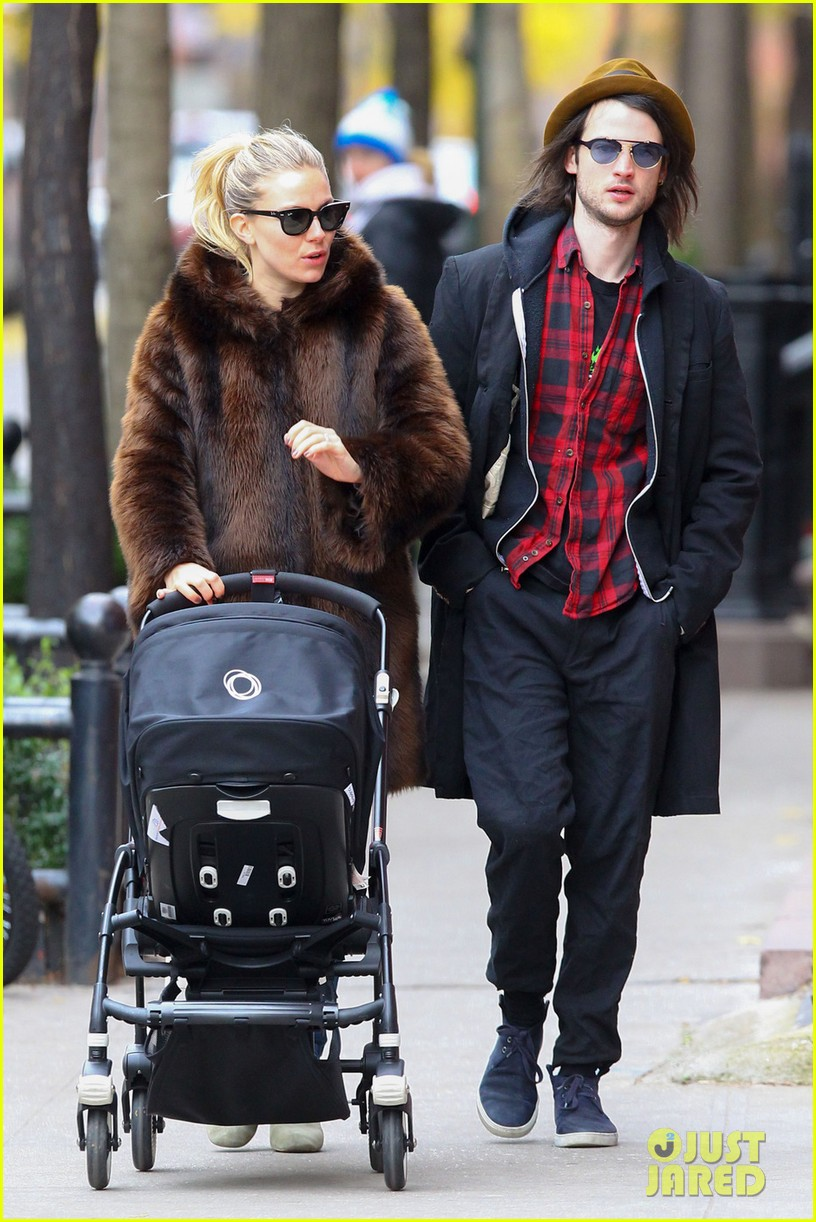 sienna miller tom sturridge sunday stroll with baby marlowe 03