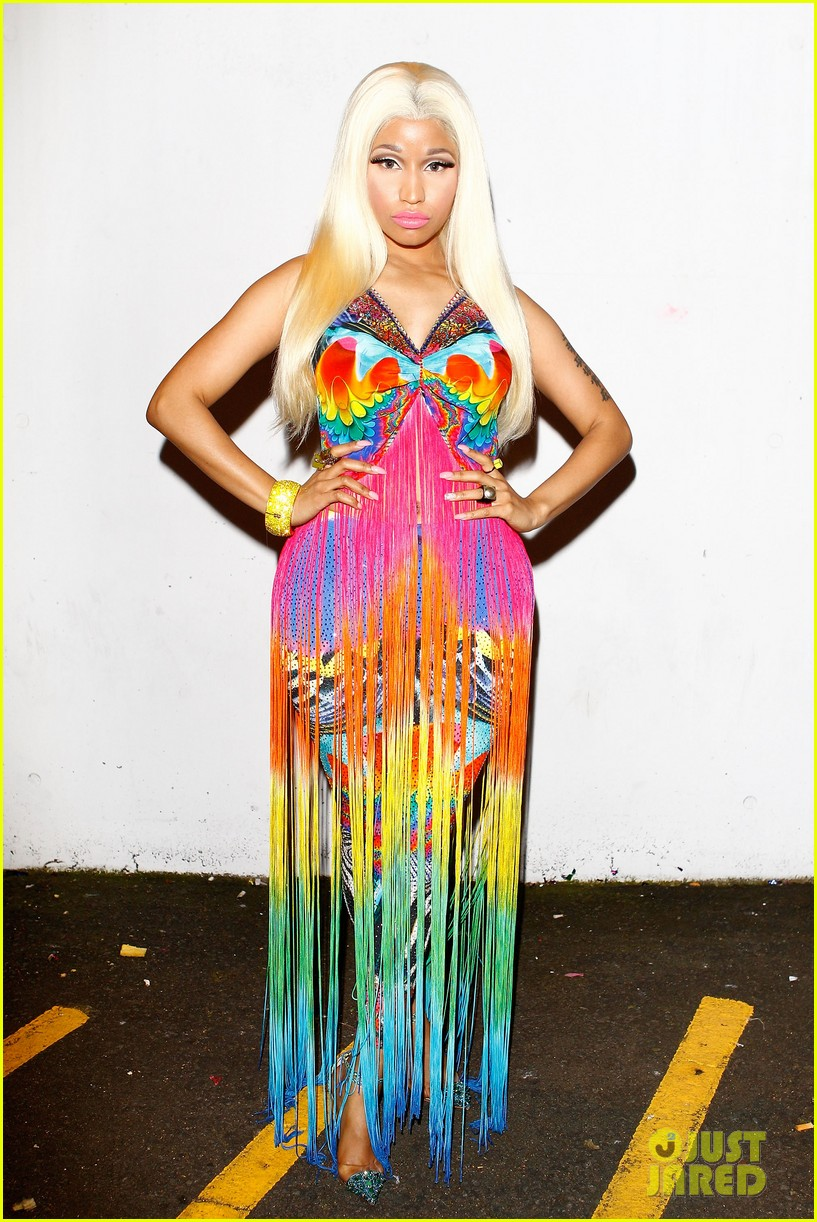 nicki minaj aria awards 2012 red carpet 132766043