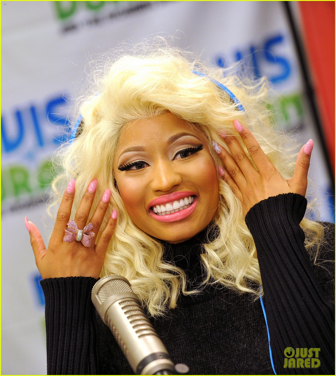 nicki minaj shut out of own album release party 022762408