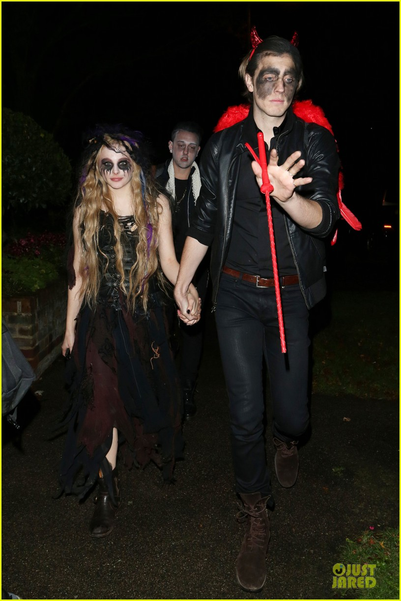 chloe moretz jonathan ross halloween party 01