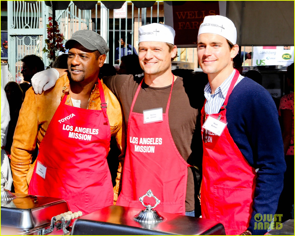 matt bomer neil patrick harris thanksgiving mission help 08