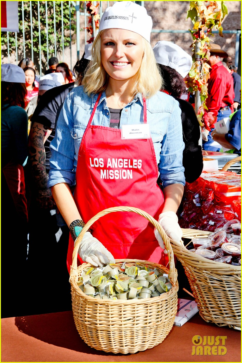 matt bomer neil patrick harris thanksgiving mission help 092762205