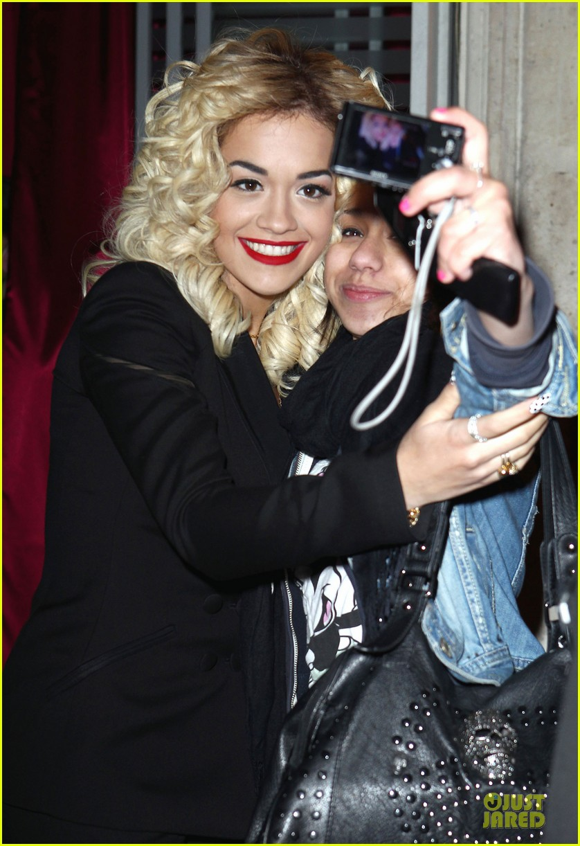 rita ora never mind the buzzcock filming 04