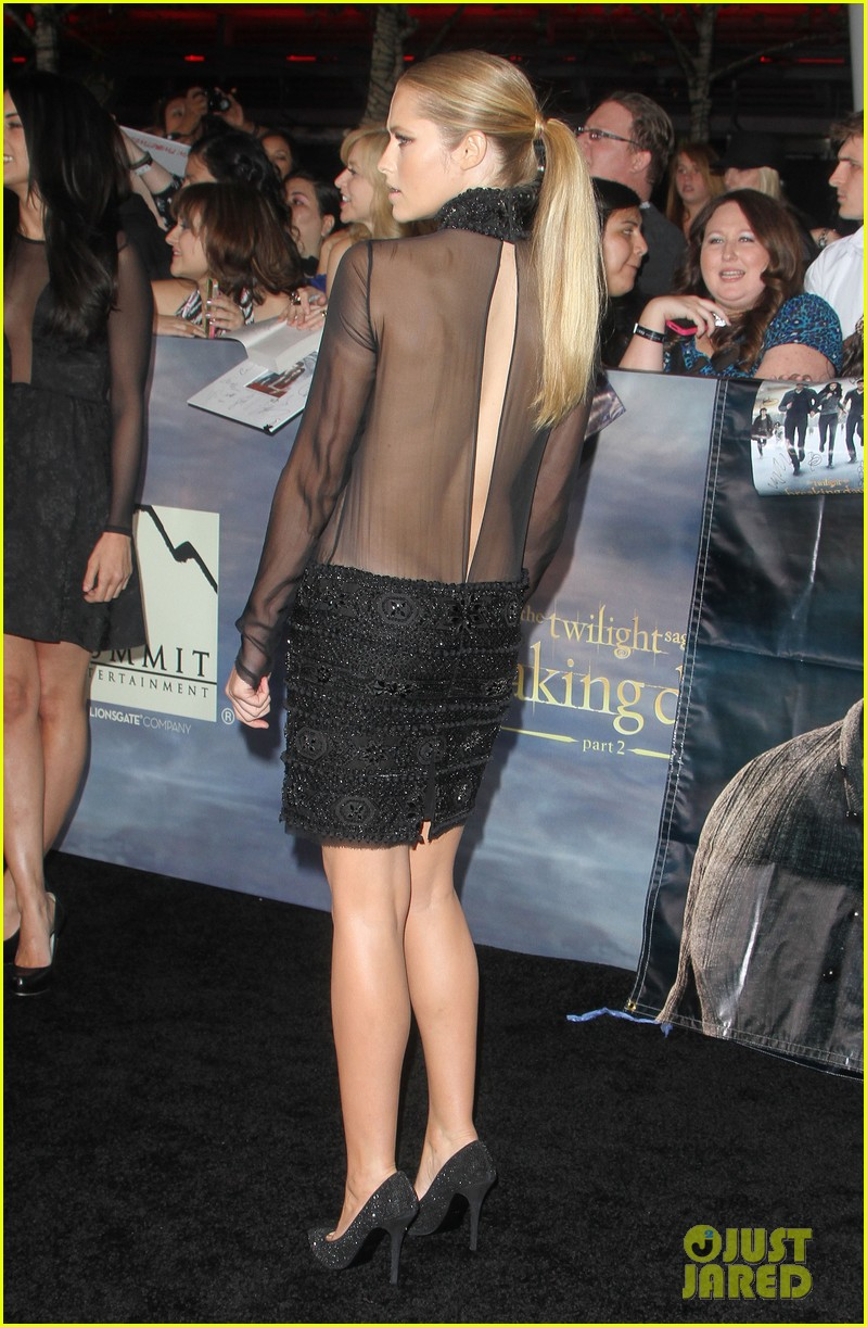teresa palmer twilight breaking dawn part 2 premiere 012756372