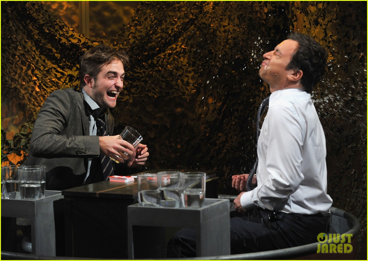 robert pattinson soaking wet on late night with jimmy fallon 10