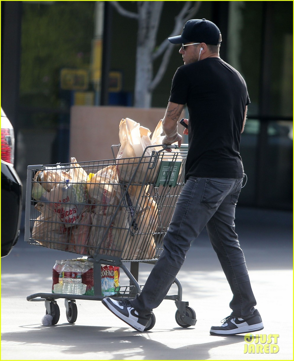 ryan phillippe new mystery blonde 17