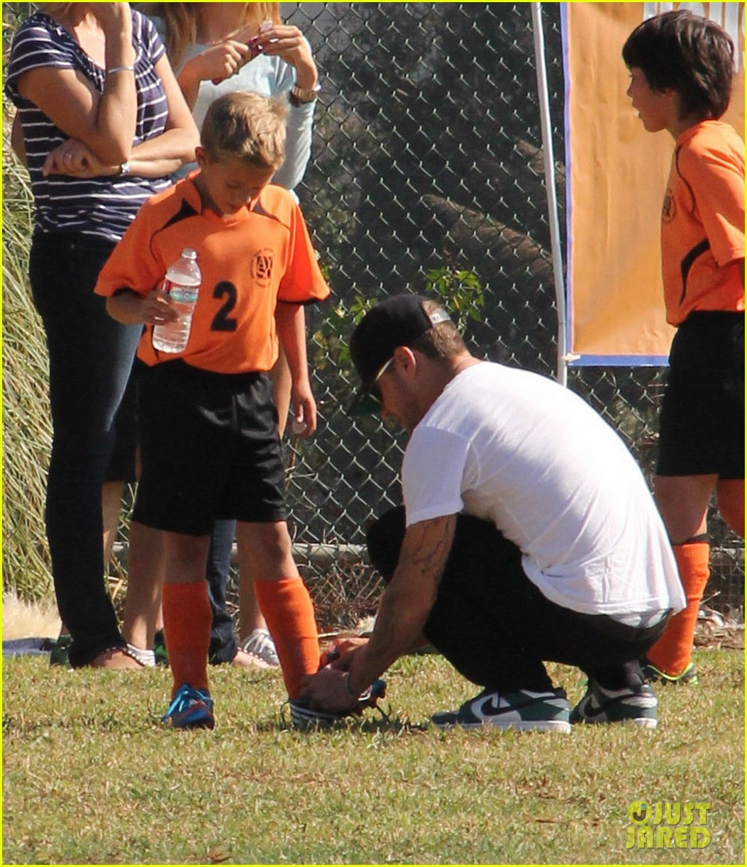 ryan phillippe deacons soccer game with paulina slagter 07