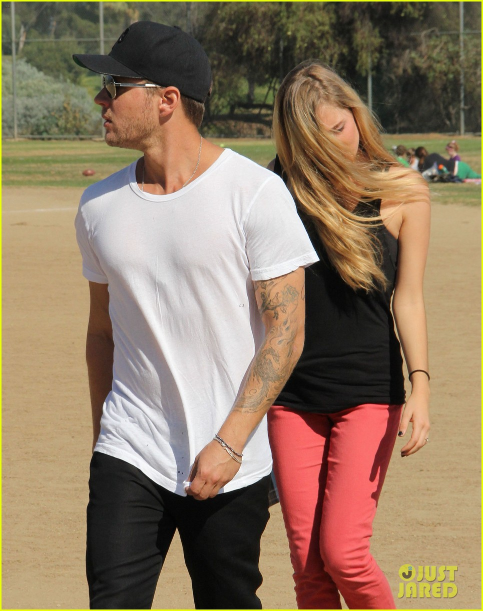 ryan phillippe deacons soccer game with paulina slagter 13