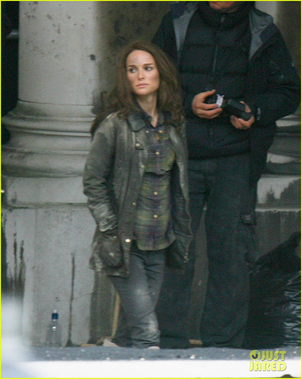 natalie portman thor the dark world set 16