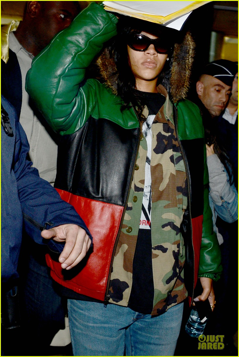 rihanna cheers to the freakin weekend paris 02