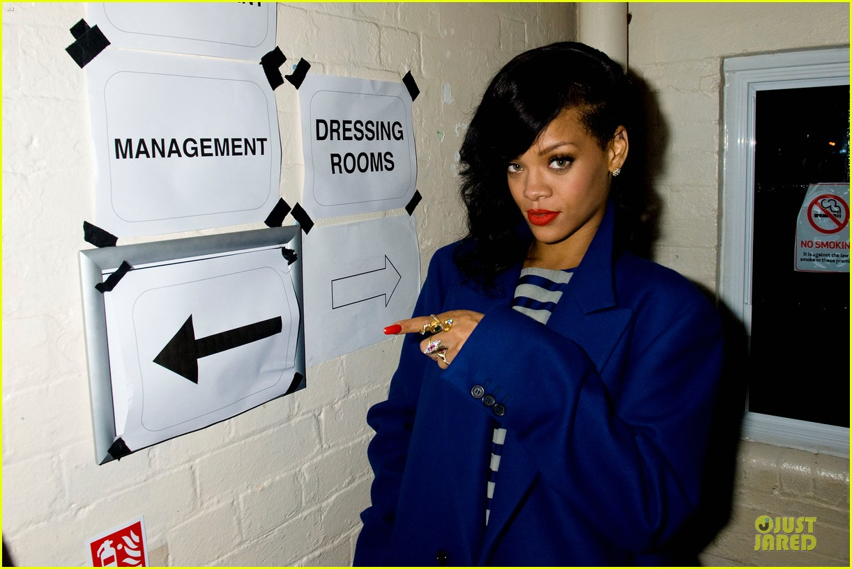 rihanna 777 tour hits london with cara delevingne exclusive 082761131
