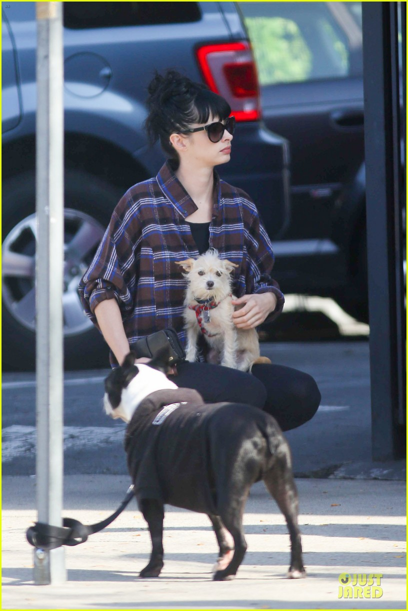krysten ritter brian geraghty sunday breakfast in silverlake 02