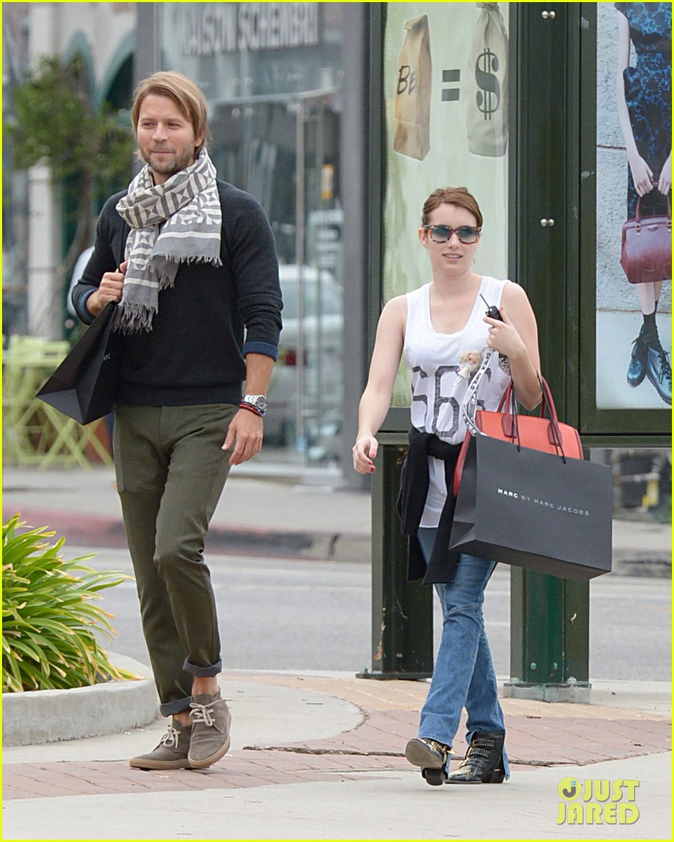 emma roberts 666 t shirt shopping spree 04