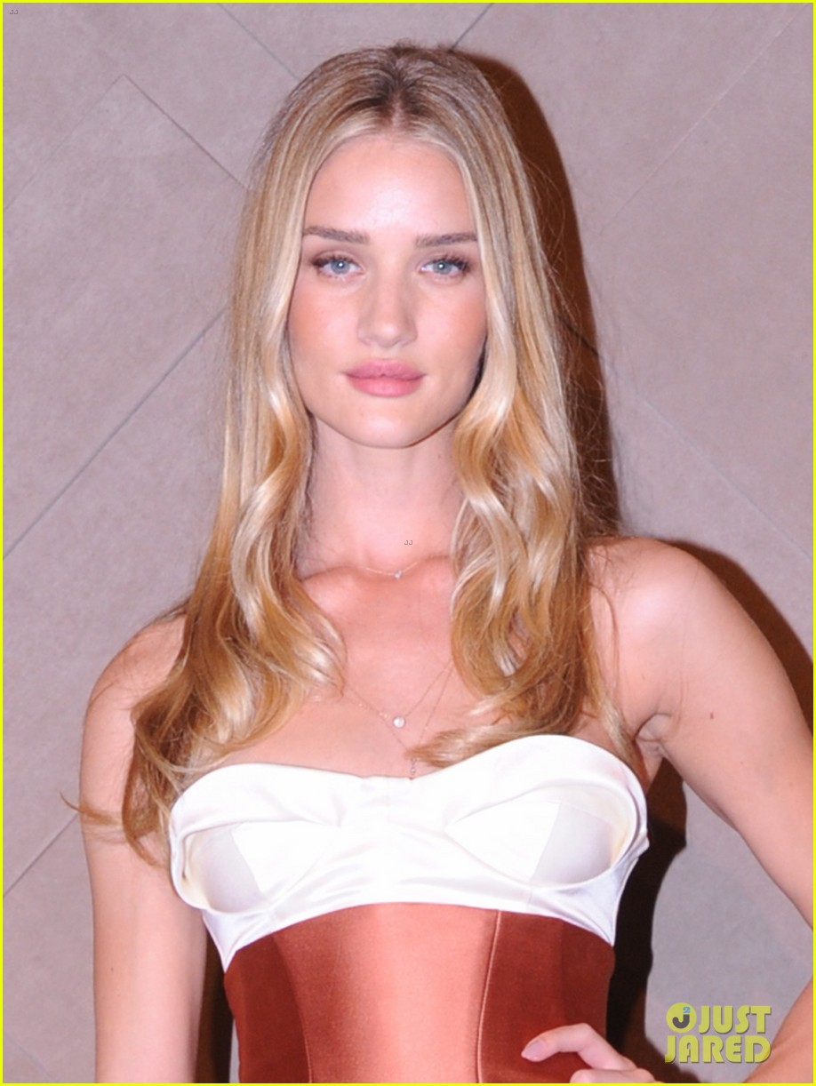 rosie huntington whiteley burberry store opening 02
