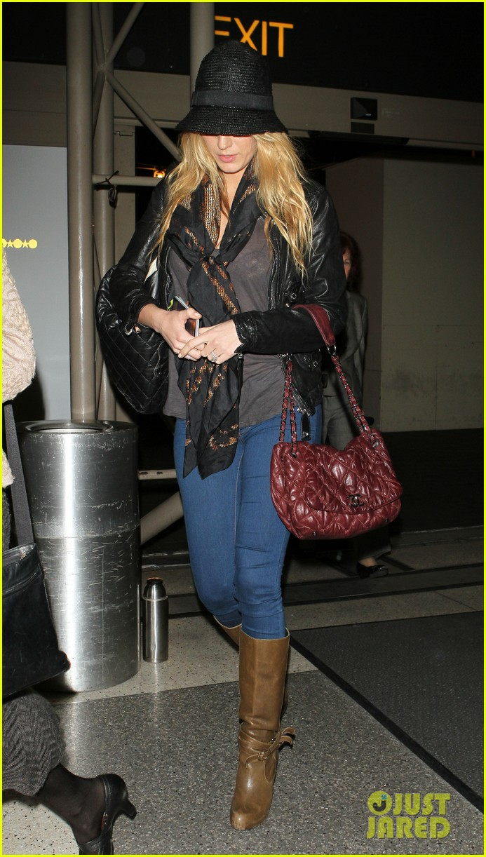 blake lively ryan reynolds low key la arrival 032766688