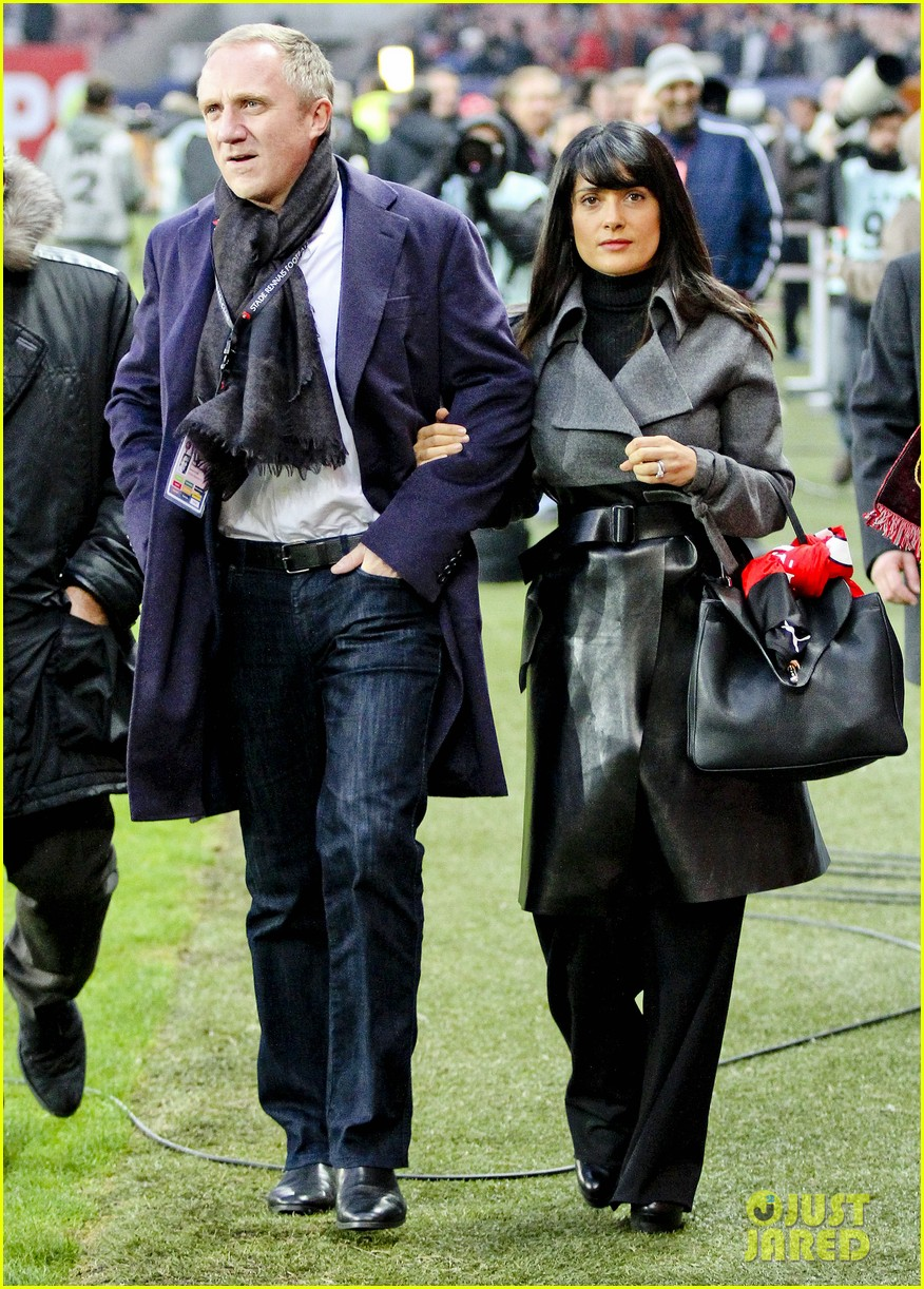 salma hayek french first league soccer fan 072759937